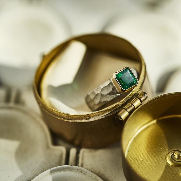 cut_ring_emerald_A.jpg